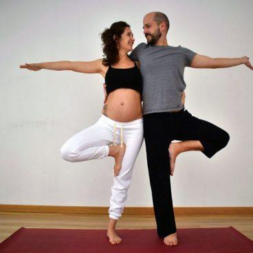 taller yoga parejas embarazadas